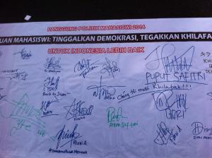 tandatangan peserta aksi